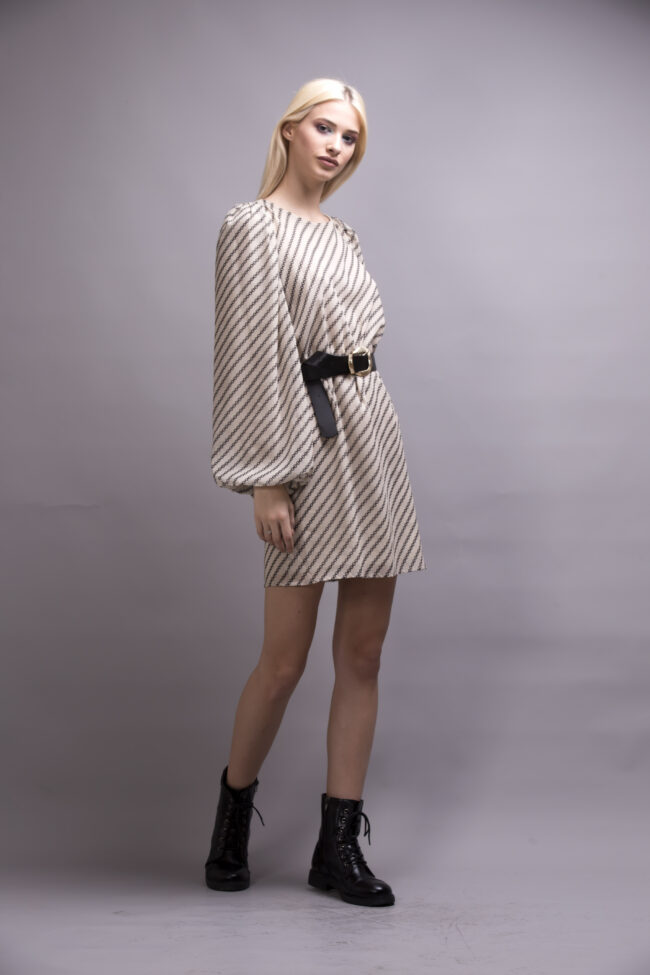 DRESS WITH OPEN