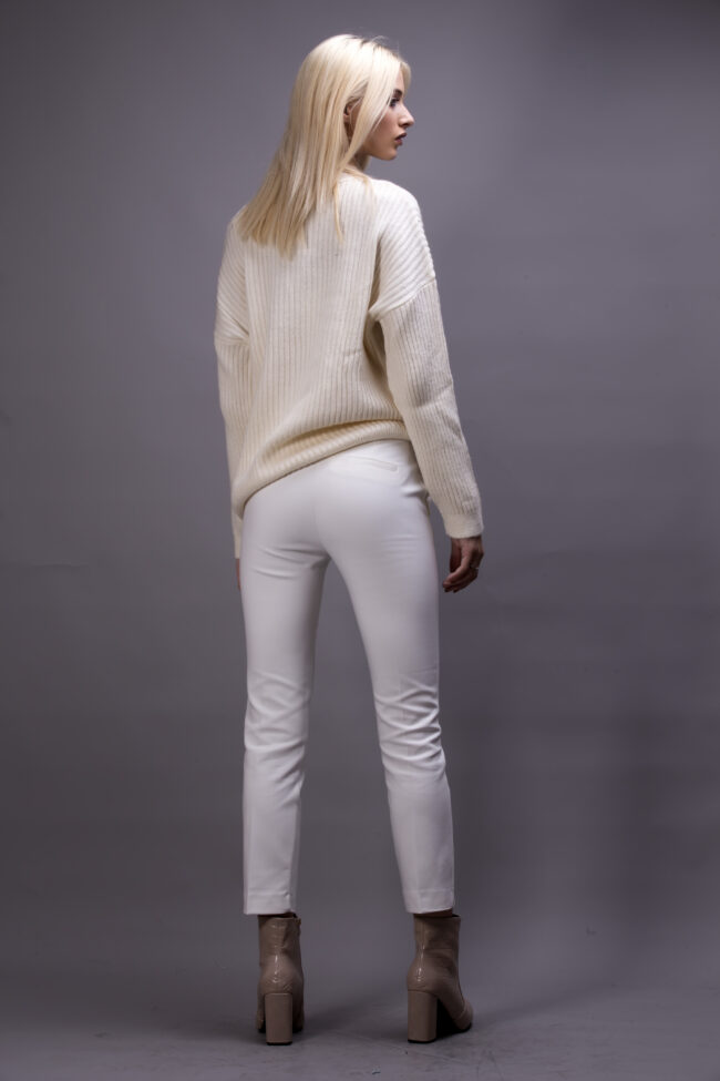 POULOVER LINES (WHITE)