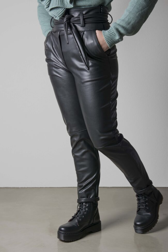 LEATHER WITH ZONE
